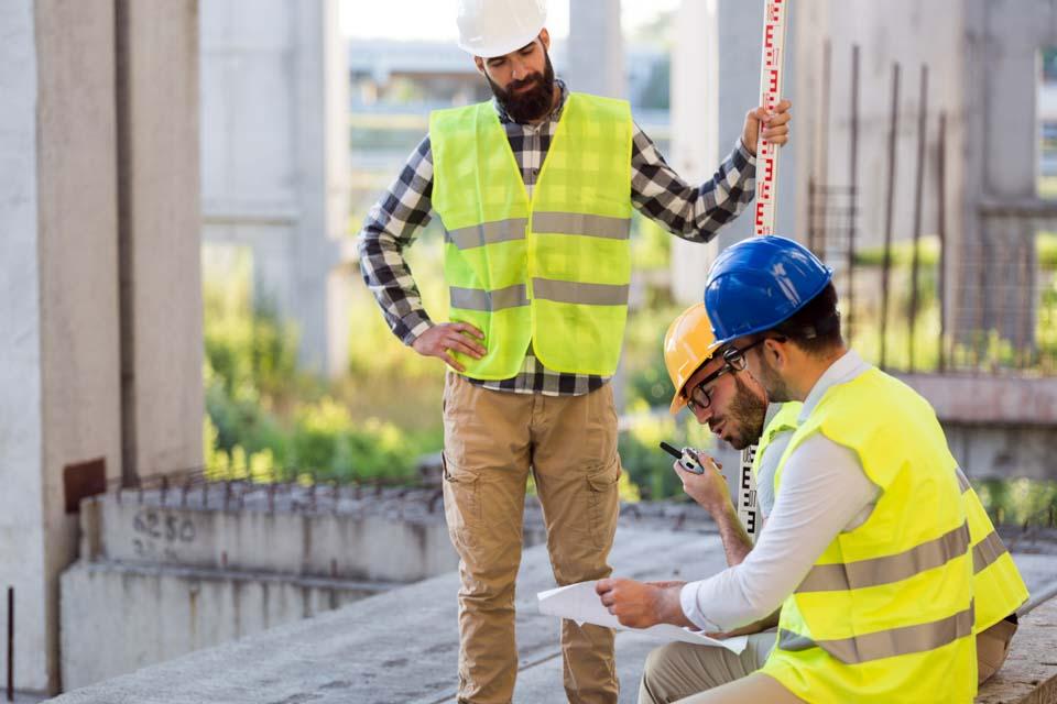 inżynierzy napalcu budowy